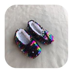 6/$15 4T-5T sequin slippers